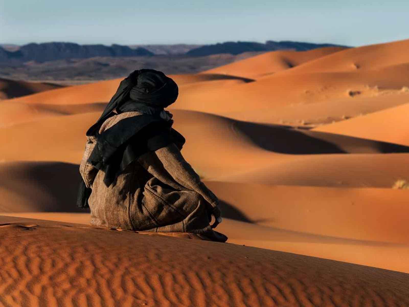 4 days Marrakech desert tours from marrakech to erg chigaga