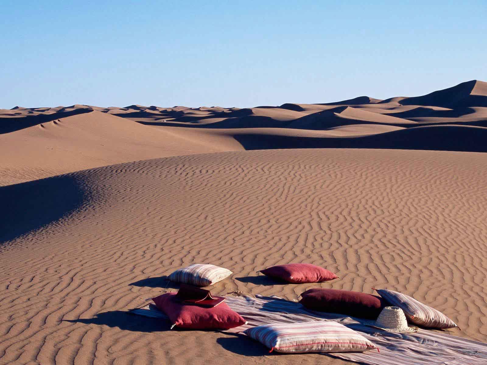 4 days private marrakech to erg chigaga desert trip