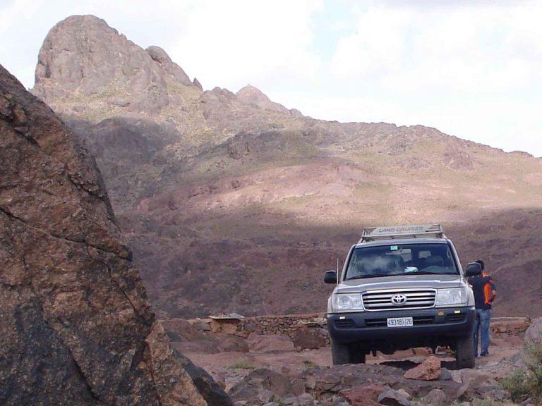 From Marrakech: 2 day Sahara desert tour