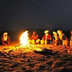 Erg chebbi desert camp fire